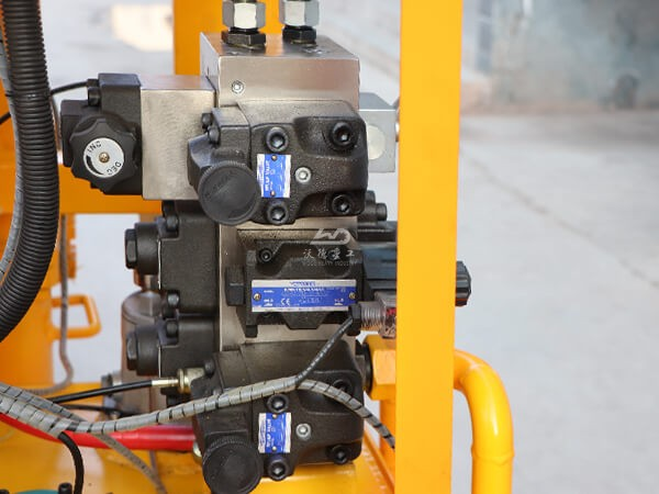 details of compact grouting unit